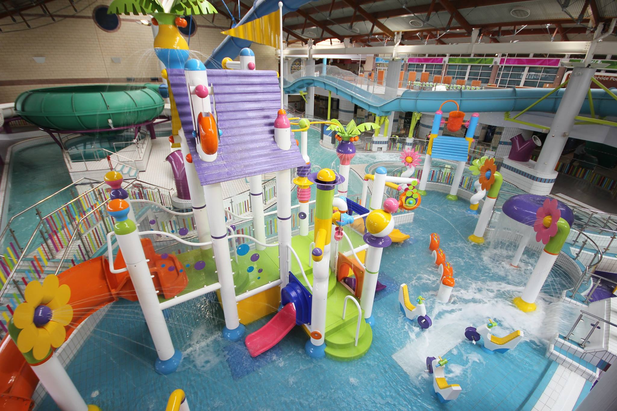 Birdseye view of children's swimming and play area at the leisureplex